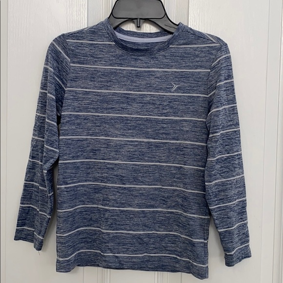 Old Navy Active Go-Dry long sleeve shirt